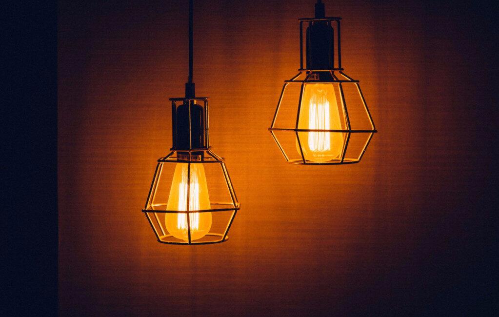 to lamper med gitter