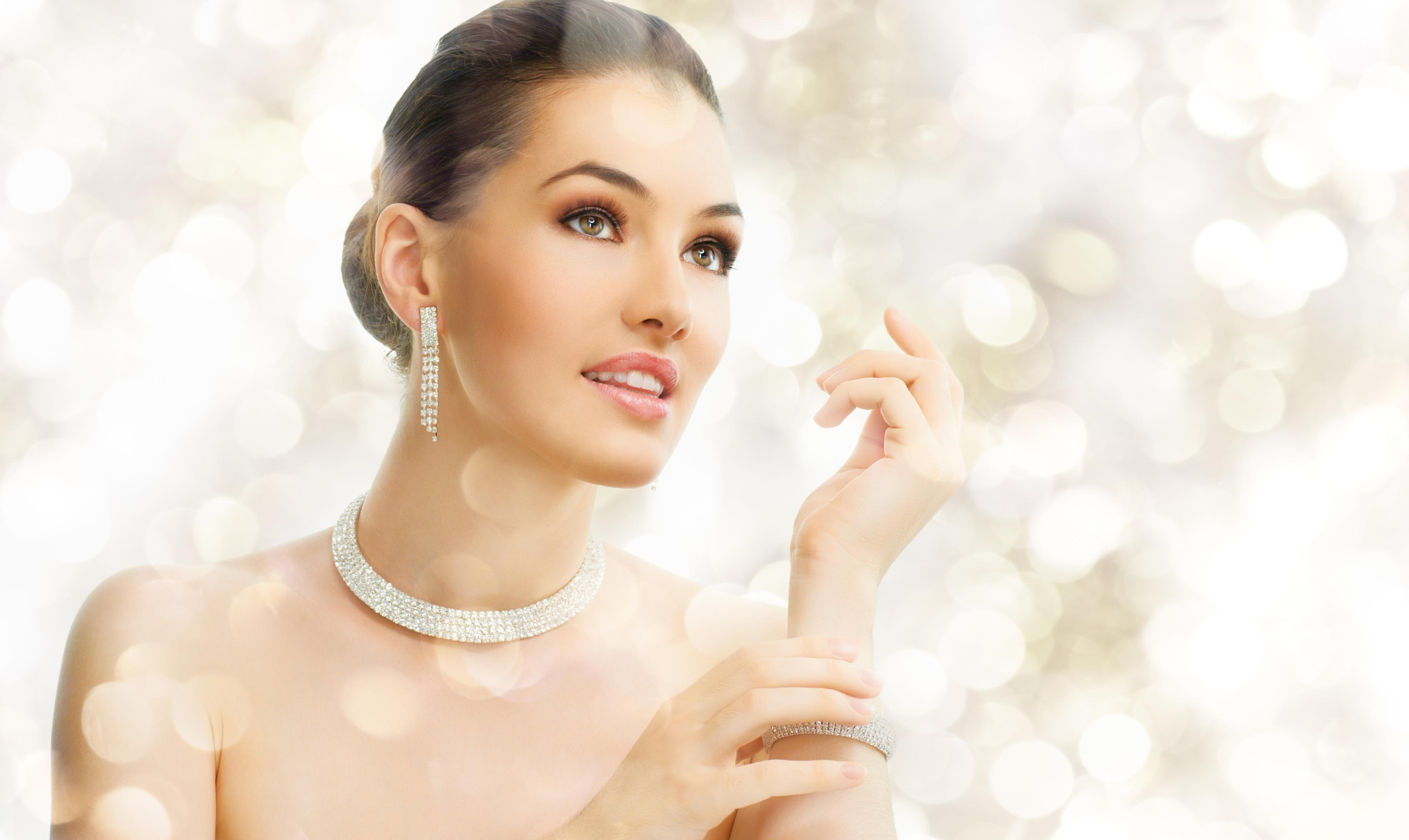 Køb dine smykker online hos Henrik Ørsnes